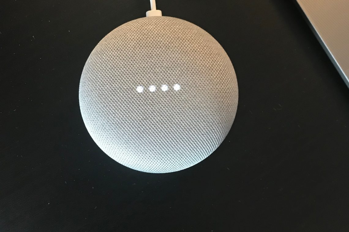 Google Home Mini i bruk